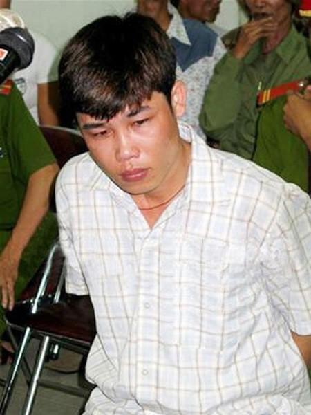 """Nghe si Viet """"nhay mua"""" voi scandal: Phai chang khan gia qua de dai?-Hinh-3"""