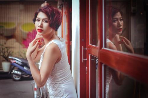 """Nghe si Viet """"nhay mua"""" voi scandal: Phai chang khan gia qua de dai?-Hinh-8"""
