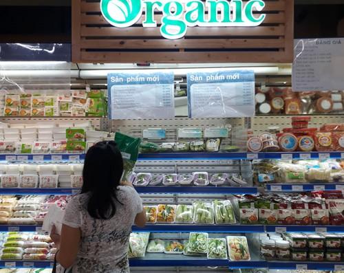 """Rau organic """"ba khong"""" ngheo nan o sieu thi Sai Gon-Hinh-2"""