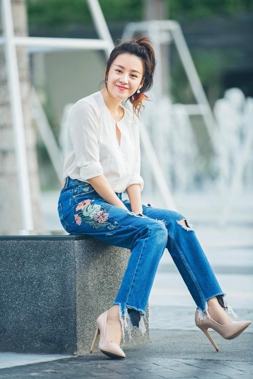 Ba Tung Huyen Anh tre nai vai gay hut trieu like-Hinh-2