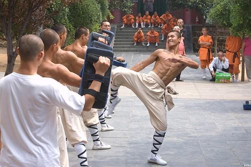 "Ron nguoi man luyen cong ""quai di"" cua cac vo su Thieu Lam-Hinh-2"