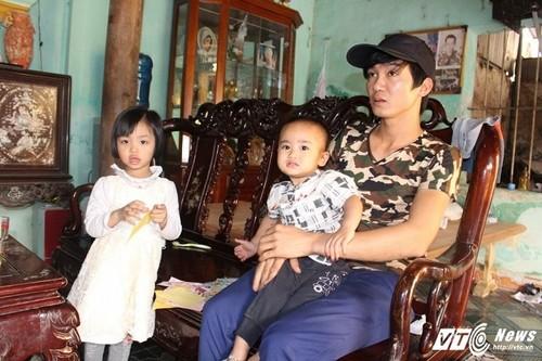 Tam su dam nuoc mat chong cham vo sau vu no o Van Phu-Hinh-3