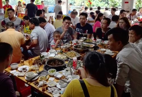 Le hoi thit cho Ngoc Lam van dien ra bat chap tin don cam ban-Hinh-4