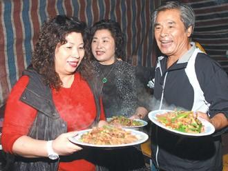 """""""Vi Tieu Bao"""" doi thuc lam canh phai ban nha vi 6 ba vo-Hinh-3"""