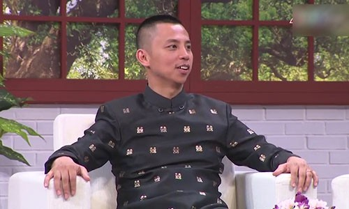 "Chi Anh nhan tin cho me vo: ""Ba lam toi that vong"""