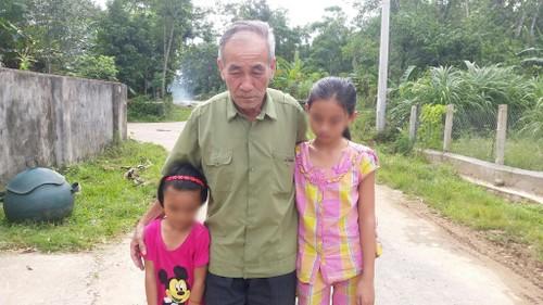 Cha me vuong vong lao ly, 2 chi em bo vo khong noi nuong tua-Hinh-2