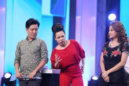 Cat-xe chong mat cua Hoai Linh khi choi game show va dong phim-Hinh-3