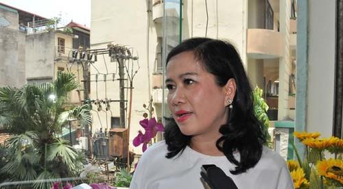 "Nha van Nguyen Thi Thu Hue noi gi ve tranh luan ""nay lua"" o Dai hoi-Hinh-3"