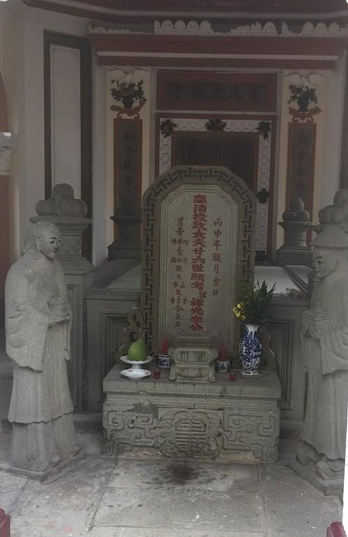 Khu mo co cua ba ho giau nhat Sai Gon xua-Hinh-2