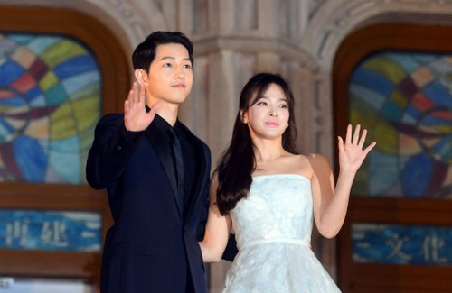 Song Joong Ki va Song Hye Kyo lai day song du luan vi dam cuoi-Hinh-2