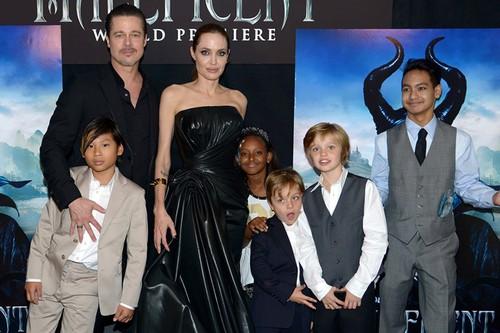"Jolie va Pitt, cuoc chien PR ruc lua giua hai ke ""yeu nhau""-Hinh-2"