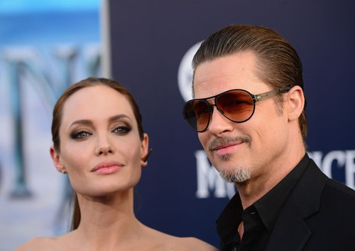 "Jolie va Pitt, cuoc chien PR ruc lua giua hai ke ""yeu nhau"""