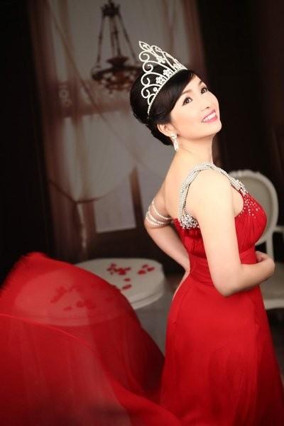 """Ong trum"" va chuyen chua ke ve hoa hau Bui Bich Phuong-Hinh-2"