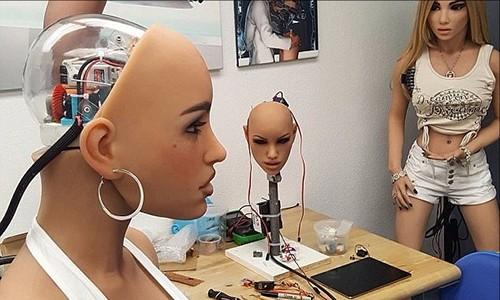 Robot tinh duc co the bi hack va tro thanh vu khi giet chinh nguoi dung
