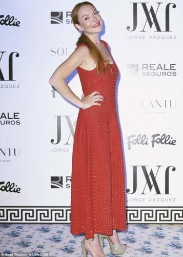 """Het hon"" voi guong mat khac la cua Lindsay Lohan-Hinh-4"