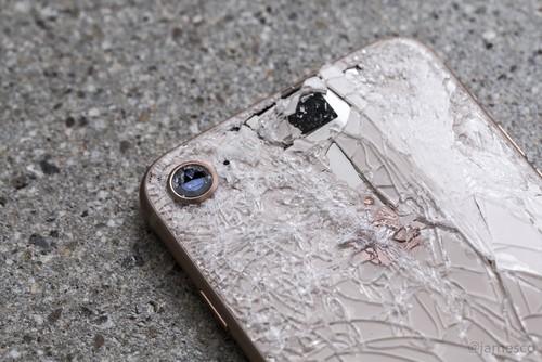 """Nhung bi mat dong troi khi """"mo bung"""" iPhone 8-Hinh-3"""