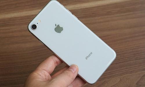 Mua linh kien them 10 USD, Apple tang gia iPhone 8 len 50 USD