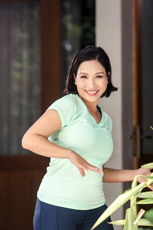 "My Linh: ""Yeu ban than moi cham soc tot nguoi khac"""