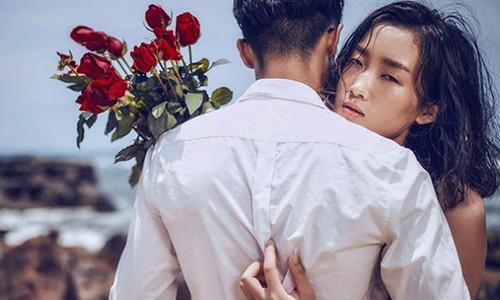 """Con say tinh chong vanh giua """"gai na dong"""" va trai tre"""