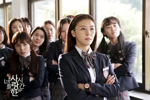 Idol nu lien tuc nhan vai du dien do: Han Quoc dang thieu dien vien?-Hinh-2