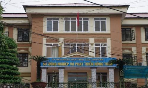 """Bo nhiem """"thua"""" 23 can bo o So NN&PTNT Thai Nguyen"""