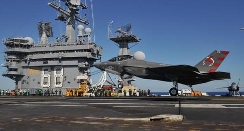 Lan dau tien F-35 nem bom trung muc tieu di dong