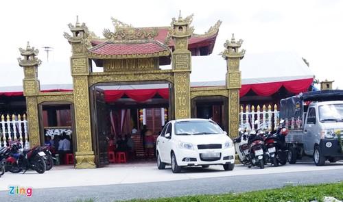 Cuu Bi thu Hau Giang noi ve xe bien xanh du tiec o Huynh phu duong-Hinh-2