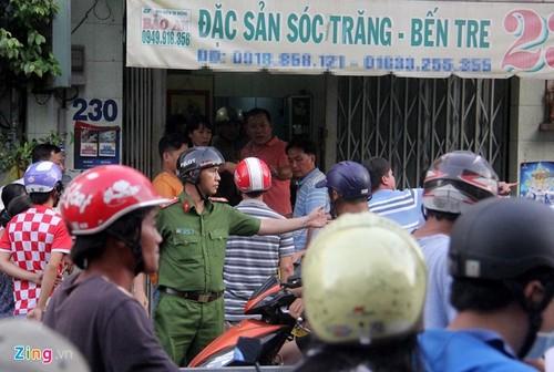 Chu cua hang dac san Soc Trang bi ban chet o Sai Gon