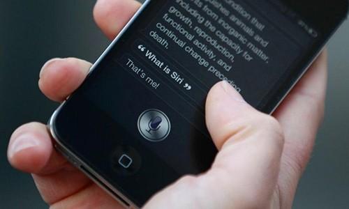 Siri, iPhone giup goi cap cuu me be trai 4 tuoi