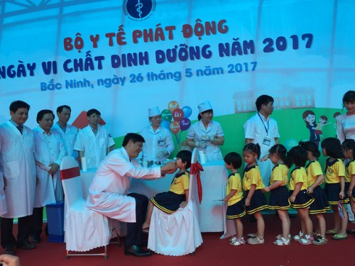 Le phat dong ngay Vi chat dinh duong toan quoc nam 2017-Hinh-2