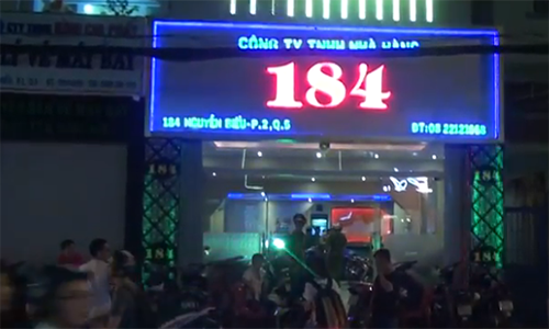 TP.HCM: Hang tram co gai an mac khieu goi trong cac quan karaoke khong phep-Hinh-2