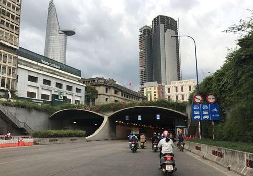 "2 ""tin vui"" cho nguoi di xe may o phia Dong TP HCM"