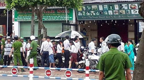 Dang truy bat hung thu cuop ngan hang HDBank o Dong Nai-Hinh-3
