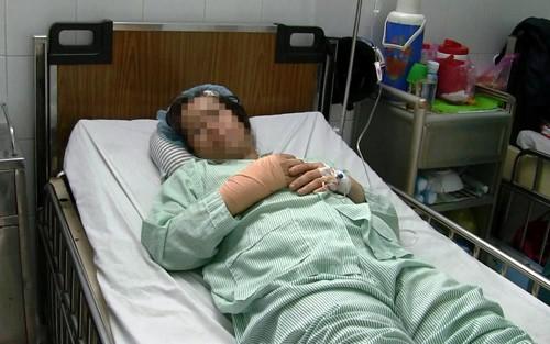 Hoang mang vi lien tiep phu nu o TP.HCM bi cuop tan cong bang dao-Hinh-2