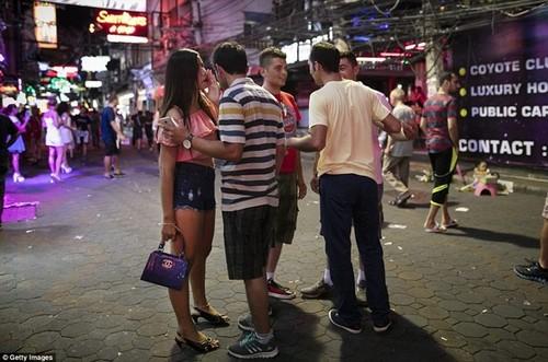 "Pattaya: Tu lang chai tro thanh ""thien duong mai dam""-Hinh-2"