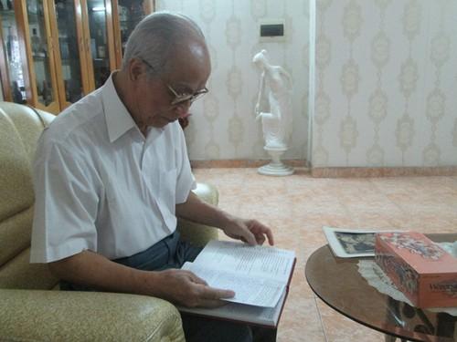 Chuyen tinh dep kho tin: Cap uyen uong 80 tuoi van giu duoc lua-Hinh-2