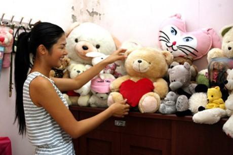 HH My Linh, Thu Thao cat-se cao ngat van o nha don so-Hinh-12