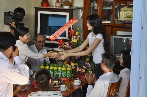 HH My Linh, Thu Thao cat-se cao ngat van o nha don so-Hinh-16