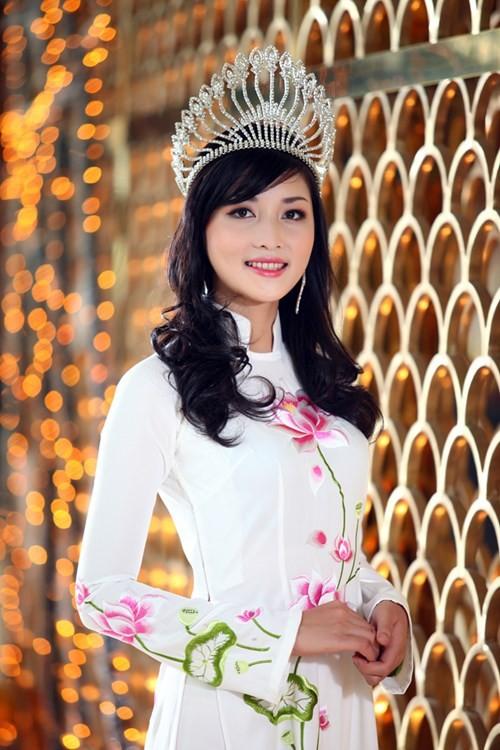 HH My Linh, Thu Thao cat-se cao ngat van o nha don so-Hinh-23