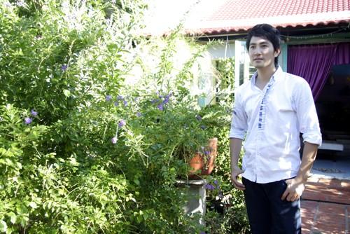 "Hai can nha doi nhau ""chan chat"" cua Nguyen Phi Hung"