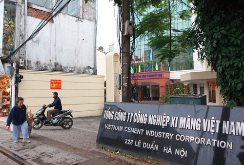"""Vi sao Tong Cong ty Xi mang Viet Nam phai thay """"tuong""""?"""