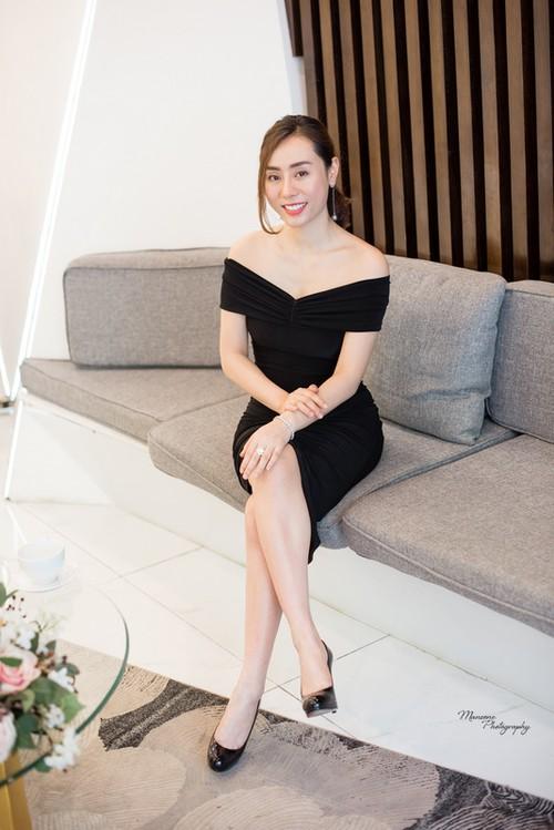A hau Ngo Thuy Linh: Toi suy nghi 5 nam moi dam phau thuat mui!-Hinh-2