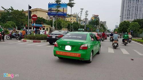 Ha Noi cung yeu cau taxi go khau hieu phan doi Uber, Grab-Hinh-2