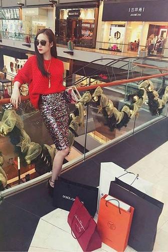 Qua bac ty bac si dai gia tang Angela Phuong Trinh-Hinh-6