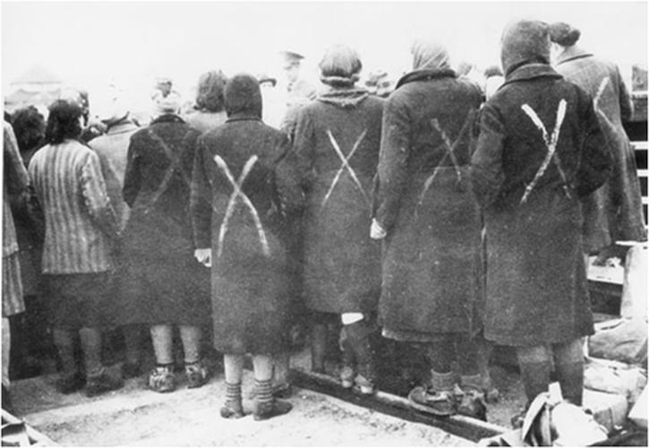 Ben trong trai tap trung giam phu nu cua Hitler-Hinh-12