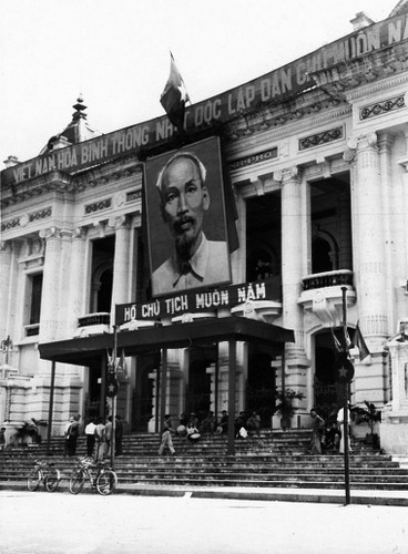 Can canh giay phut chuyen giao quyen luc o HN ngay 10/10/1954-Hinh-13