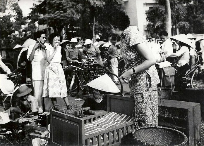 Can canh giay phut chuyen giao quyen luc o HN ngay 10/10/1954-Hinh-17