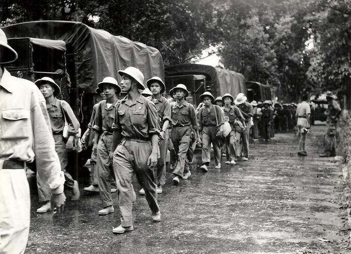 Can canh giay phut chuyen giao quyen luc o HN ngay 10/10/1954-Hinh-5