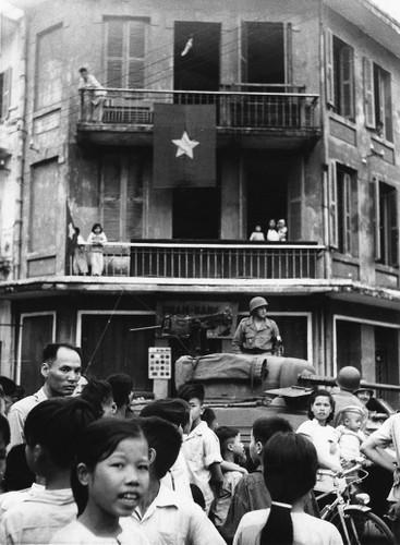 Can canh giay phut chuyen giao quyen luc o HN ngay 10/10/1954-Hinh-6