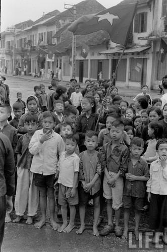 Anh doc: Ha Noi vui nhu hoi ngay giai phong 10/10/1954-Hinh-8